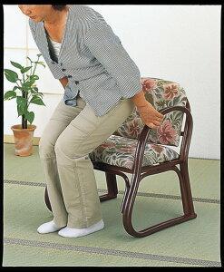 大人気のラクチン座椅子。籐デラックス思いやり座椅子