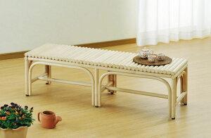 座面に籐ポールを敷き詰めたデザインでとても丈夫です。籐ベンチ