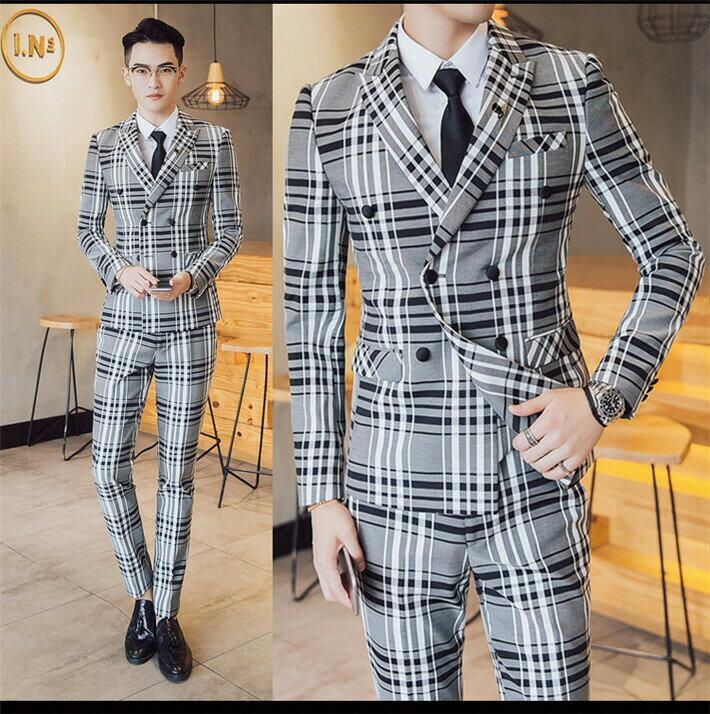 0e9499c6f9a80 本格的スーツのようなディティールにこだわったイタリアンカラージャケットとスラックスパンツのセットアップの登場です。 ジレベスト付き3ピーススーツ がお得です。