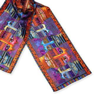 とてもかわいくて人気なローレルバーチデザインのスカーフ