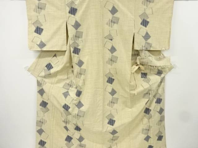 【IDnet】 未使用品 仕立て上がり 千切屋謹製 色紙模様織り出し手織り真綿紬着物【着】
