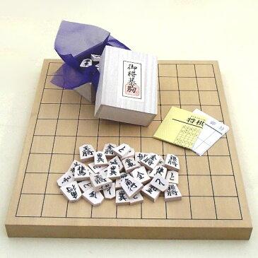 木製将棋セット 新かや1寸卓上接合将棋盤竹と天童将棋の白椿上彫将棋駒