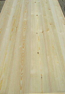 レッドパイン(赤松)巾広無垢フローリング節あり無塗装1820×15×135ミリ6枚入