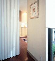 ニチベイアコーディオンカーテンやまなみエコーノース・パステル幅231~265cmX高さ201cm~220cmまで