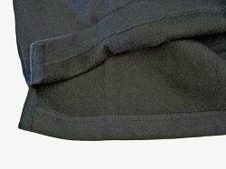 薄手のトレーナーの様な裏起毛素材。裾はスリット入り