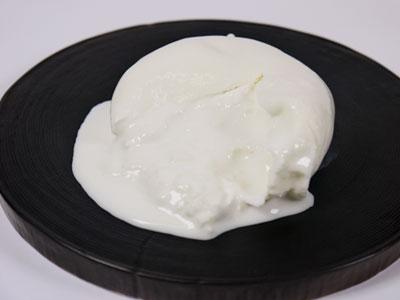 フレッシュチーズ ジョイエッラ ブラッティーナ 100g イタリア産