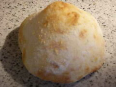 ローマのフォカッチャを石窯で焼く天然酵母のパン低温長期熟成パンローマのフォカッチャを石窯...