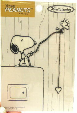 【メール便OK】スヌーピー ウォールステッカー(フィッシング)PKS61 電気のスイッチやコンセントまわりなどのアクセントにぴったり♪ 壁紙シール/ピーナッツ/snoopy/ビンテージ/デコレーション/peanuts/wallsticker/vintage