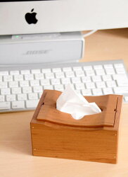 岩手県産の木材(山桜)でつくったティッシュボックス
