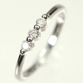 K18WG・ダイヤモンド0.15ctスリーストーンリング(指輪)