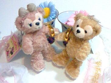 【ディズニーシー限定】Duffy(ダッフィー)/ShellieMay(シェリーメイ)♪ぬいぐるみストラップ&バッチ バッジ ♪【ふっくら可愛いお顔厳選!!】ディズニーリゾートお土産袋付き♪【Disney】