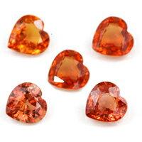 ハート結晶から溢れる鮮やかなオレンジ光彩オレンジサファイア0.6CT前後・サンプルストーン