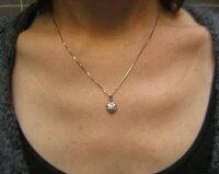 ダイヤモンドお花のペンダントプラチナ製