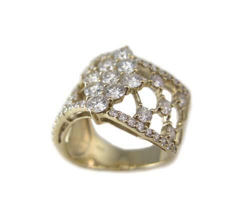 イエローゴールド ダイヤモンド デザイン リング
