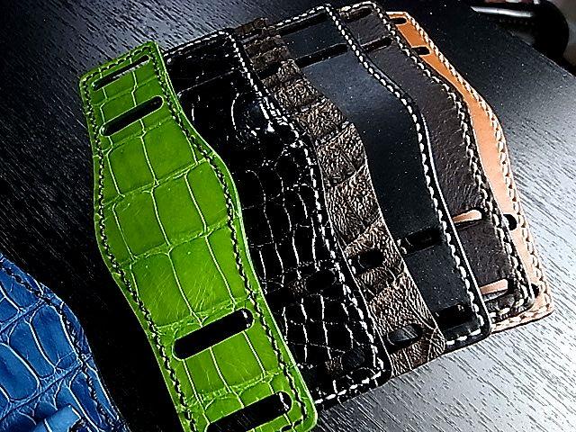 腕時計オーダーメイド クロコダイル革台座仕立てます フランクミュラー オメガ タグホイヤー パテックフィリップ カルティエ ロレックス ブライトリング パネライ グランドセイコー バシュロンコンスタンタン オーデマピゲ ピアジェ ブレゲ トゥールビヨン etc... ギフト対応:Jewel Select