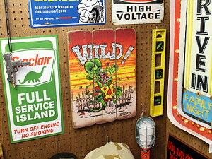 ラットフィンクポスターサインボードアンティーク調木製RatFinkWILDの使用例