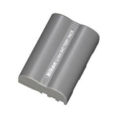 予備バッテリーはデジタル一眼の必須アイテム『ニコン純正バッテリー EN-EL3e』