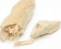指で裂いた感じ[ママクック]フリーズドライのササミチキン(猫用)