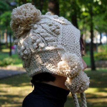 【ポイント10倍】ニット帽のポンポンの耳あて付はかわいい! ケーブル編み ニット帽子 レディース ボンボン ニットキャップ グレー ブラックの毛糸帽子【メール便 送料無料】