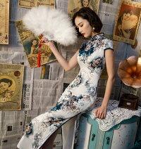 中華服レディースロングチャイナドレス落ち着いた色白地に紺色系大きいな花柄大人チャイナ服中華風パーティー二次会ドレス華流コスプレ衣装古典撮影衣装ニ胡箏演奏服二点送料無料