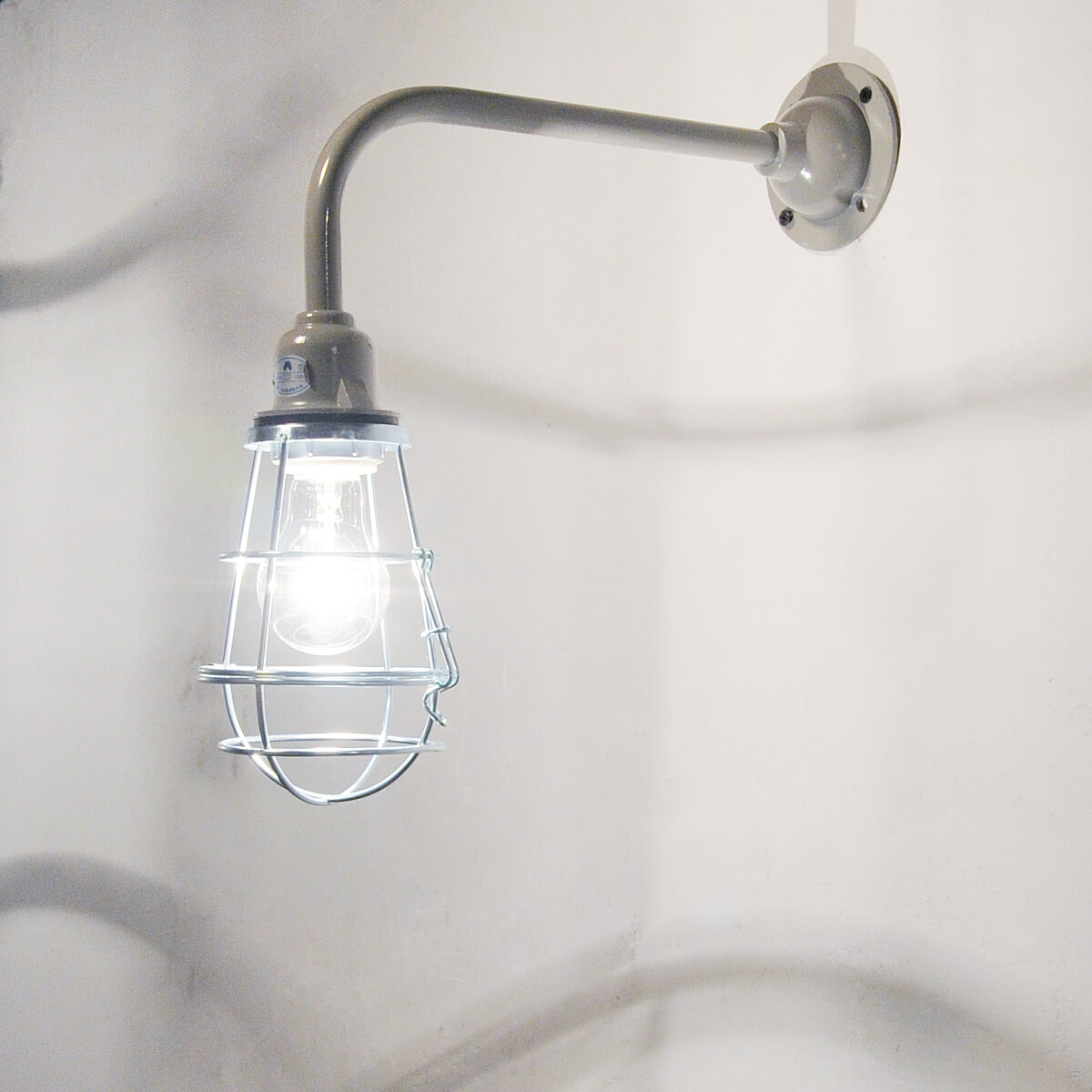 【インダストリアル ブラケットライト ブラケット 照明 壁付 電球セット LED対応 バー カフェ ショップ アンティーク調 アンティーク風】インダストリアル ケージランプ ブラケット1