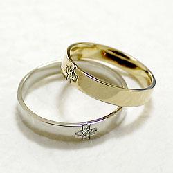 結婚指輪 ゴールド クロス ダイヤモンド ペアリング イエローゴールドK18 ホワイトゴールドK18 マリッジリング 十字架 18金 2本セット ペア 文字入れ 刻印 可能 婚約 結婚式 ブライダル