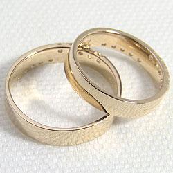 クロスダイヤモンドマリッジリングK18YG結婚指輪イエローゴールドK18結婚指輪人気アクセサリープロポーズ結婚記念日