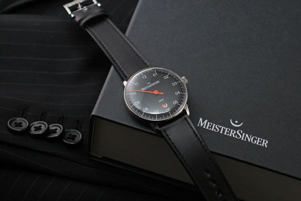 マイスタージンガーは安心の正規販売店で Meister Singer ネオ プラス Neo Plus 40mm ブラック NE402 日本正規品