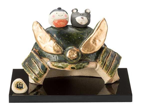 五月人形 コンパクト 陶器 小さい おとぎ話 桃太郎/ 人形師の手造り置物 伊藤仁作 金太郎と熊乗り兜 /こどもの日 端午の節句 初夏 お祝い 贈り物 プレゼント