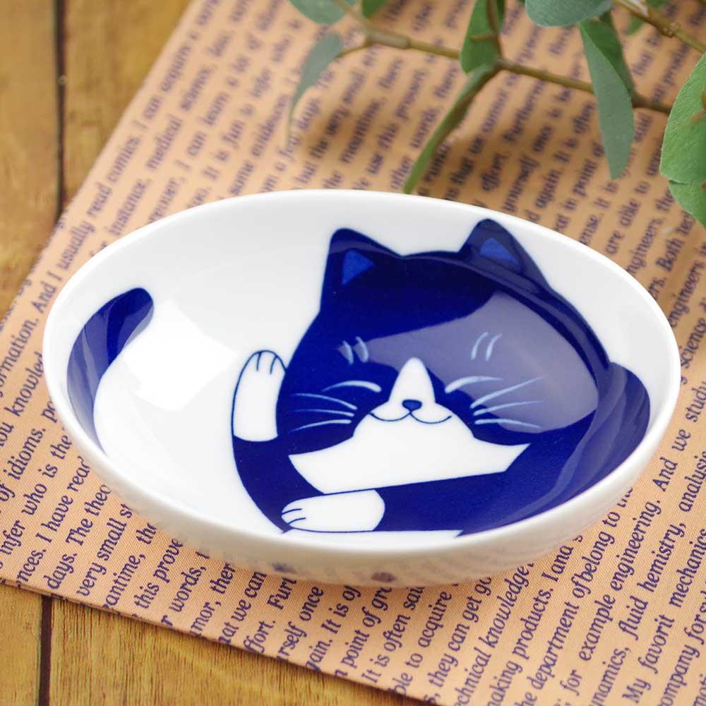 軽量 薄手 13cm 小鉢/ ねこちぐらハチワレ 4.0小鉢(楕円) /猫グッズ ネコ 可愛い 家庭用 和み 癒やし