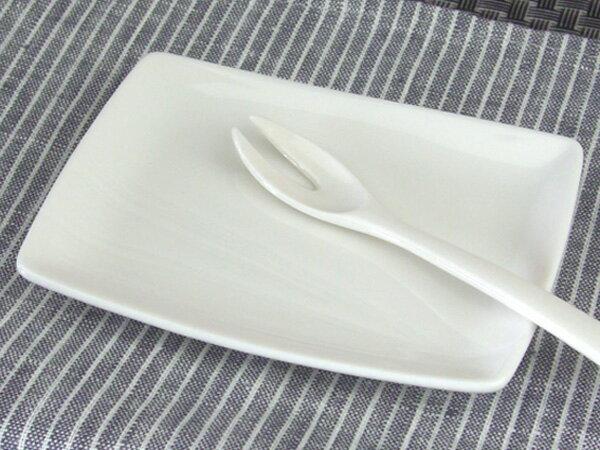 """機内食用食器 """"和""""小皿"""