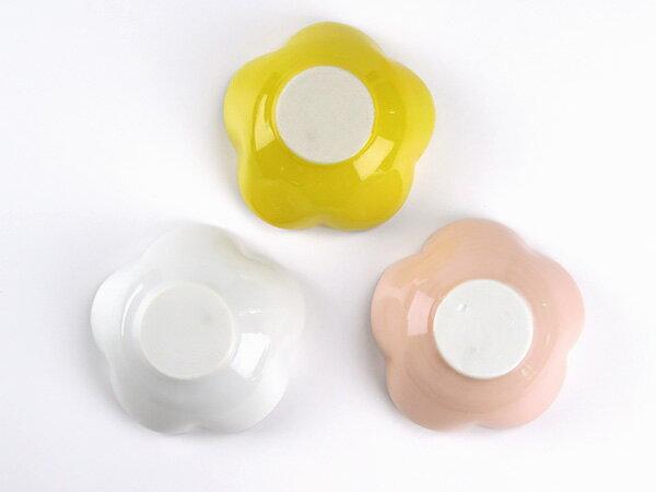 お花のミニ小鉢 9cm アウトレット 日本製 美濃焼 陶器 白い食器 和食器 マルチボウル デザートボウル デザートカップ 小付け 離乳食 離乳食食器 小さめ カフェ風 おしゃれ かわいい