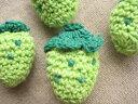 ハンドメイドの可愛いポイント♪手編みのいちごのモチーフ(青いちご)