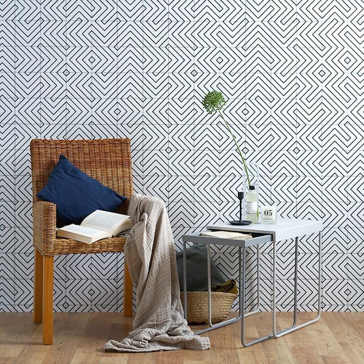 貼ってはがせる シール壁紙 リメイクシート「Hatte me(ハッテミー)」モノクロタイル柄 ホワイト MNCT-01(65cm×1m)