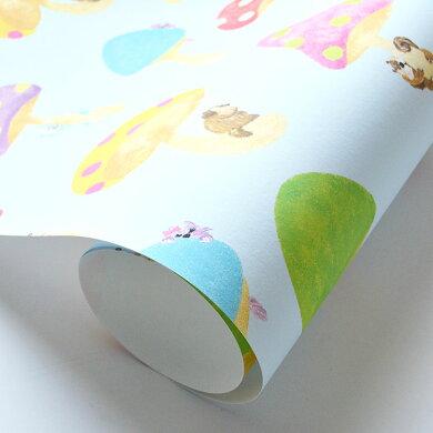 貼ってはがせる壁紙[「WALLTZ(ウォルツ)」どんぐりPod / そら飛ぶキノコ (巾47cm×6m)(1ロール単位で販売)]【受注生産のため10営業日以内で発送】