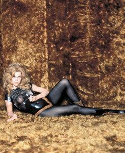 バーバレラ 映画の壁紙 輸入 カスタム壁紙 PHOTOWALL / Jane Fonda in Barbarella (e314782) 貼ってはがせるフリース壁紙(不織布) 【海外取り寄せのため1カ月程度でお届け】 【代引き不可】