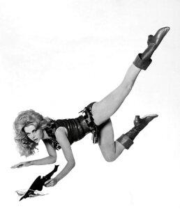 バーバレラ 映画 ジェーン・フォンダの壁紙 輸入 カスタム壁紙 PHOTOWALL / Beautiful Barbarella - Jane Fonda (e317199) 貼ってはがせるフリース壁紙(不織布) 【海外取り寄せのため1カ月程度でお届け】 【代引き不可】