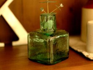 お花を素敵に飾ったり、一つのオブジェとして飾りたいインクボトル。倉敷意匠計画室/一輪挿し/...