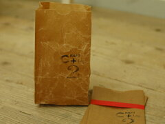 耐水性があって、丈夫なワックスペーパーでできた袋です。【倉敷意匠計画室】 ワックスペーパー...