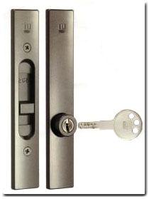 10,000 WEST 能引 door lock 355 ( tens of 能引 wrong door lock )