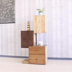 ディスプレイを楽しめるシェルフ・本棚天然木アルダー材ウォールナット色タワーシェルフ・マルヨシ民芸