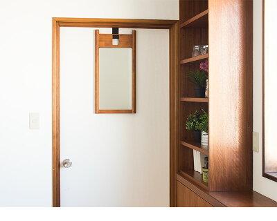 ハングミラーSドア掛け鏡壁掛けミラー扉に引っ掛ける鏡ウォールミラー吊り下げ鏡天然木製フレームブラウンナチュラル北欧カントリー和風和室おしゃれオシャレかわいい木枠飛散防止鏡省スペーススリム送料無料