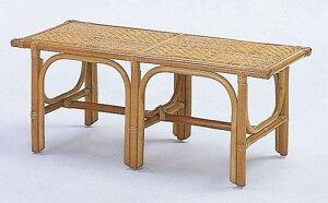 ベンチに腰掛けて靴が履ける、あると便利なエントランスベンチとしたも。籐ベンチ・小