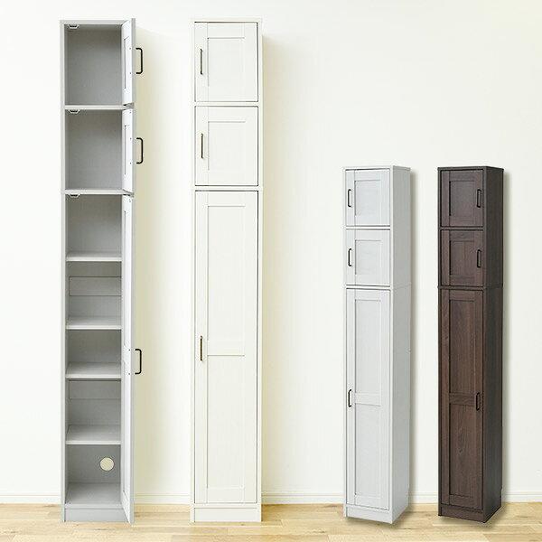 収納スペースが少ない一人暮らしのお部屋にはスキマ収納棚がおすすめ。30cm程度のスキマに、スティック掃除機と掃除用品を収納できます。