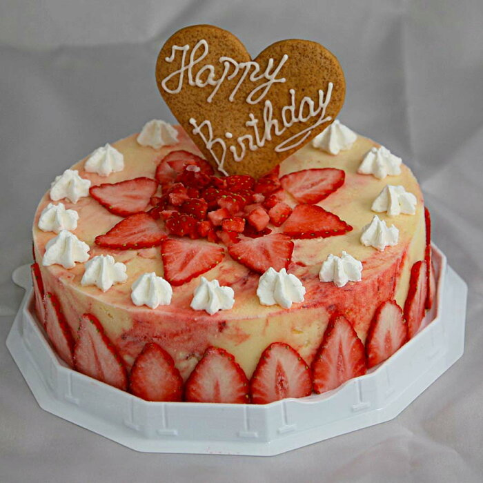 いちごのミルフィーユ 6号サイズ(18cm) 大きめサイズ 大人数用 お誕生日 バースデイ お誕生会 ホームパーティー プレゼント カード付き アイスクリーム いちごデコレーション あす楽