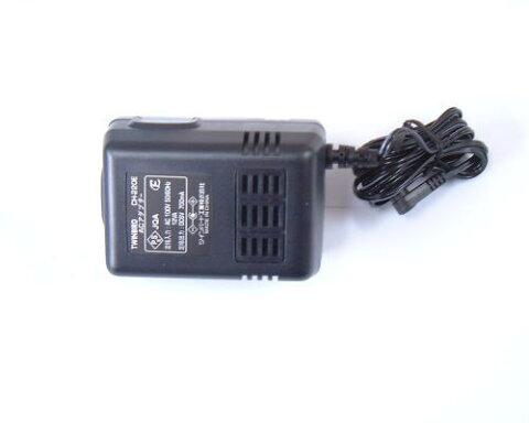 *ツインバード/液晶テレビVL-J251用のACアダプターです。CH-220。