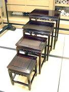 中国家具入れ子式(ネスト)テーブル。こちらは長方形と正方形の組み合わせです。唐木の銘木・紫檀に、漆塗りの正統な作り。香りを嗅いだ人が言いました。「なんだか、空気を、綺麗にしてくれそうな、匂いがする...」たしかに、そうかもしれません。