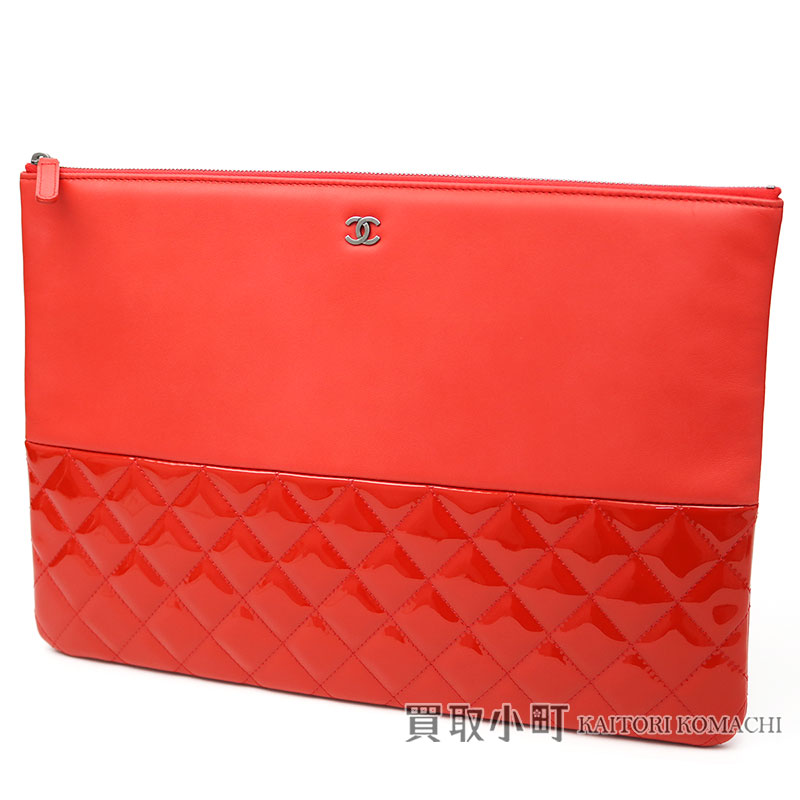 CHANEL quilted clutch CHANEL 19 CLASSIC LARGE CL...