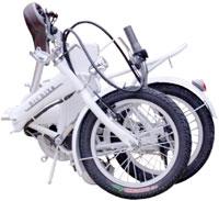 16インチ折り畳み電動アシスト自転車ペダルを漕いだりアクセル回して進むホワイトブラック電動自転車車のトランクにもスッポリ!広い工場内のちょっとした移動などに砲弾ライト&リアキャリアリアキャリア搭載バッテリー楽々取り外し充電