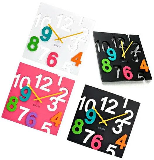 打ち抜きとのポップマルチカラーレイヤー文字盤 四角カット&ペーストクロック立体感を感じる不思議な時計ピンク ホワイト ブラック掛け時計 ウォールクロックイエロー指針SQUARE Wall ClockCUT AND PASTE CLOCK掛時計 正方形功系